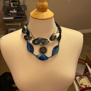 Jewelry - 3 blues necklaces